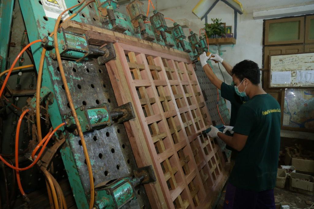 6. Assemble & Gluing Department (3)